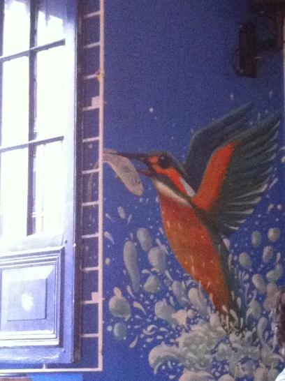 Cafe en la Candelaria, epicentro deBogota, Colombia, el colibrí, emblema de Colfaro